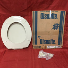 Load image into Gallery viewer, TS-59 NOS Olsonite Toilet Seat w LId Parchment 90 Regular Bowl Top Mount Hinge