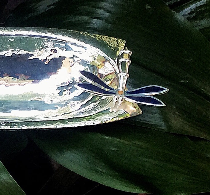 LONG SERVING DISH WITH LAPISLAZULI WINGED DRAGONFLY.