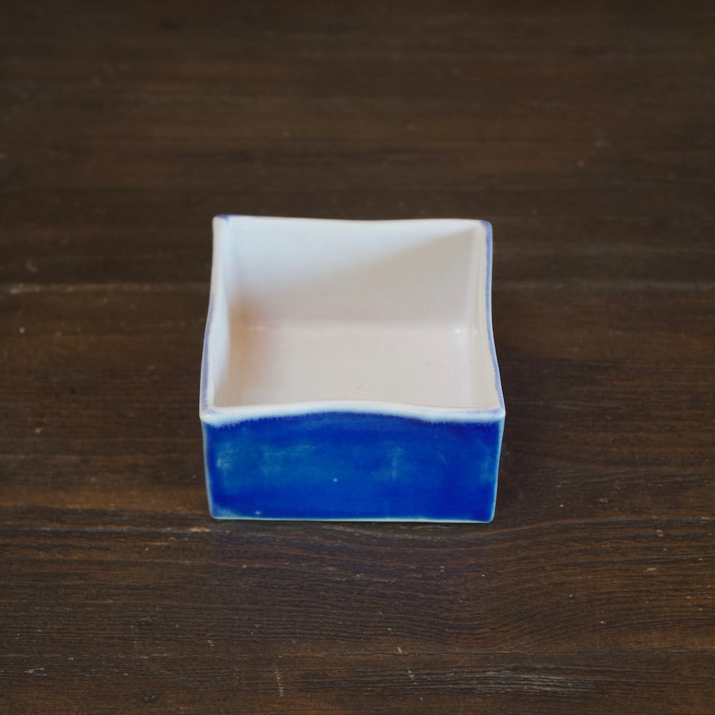 Blue SQ Box Cup #LK590A