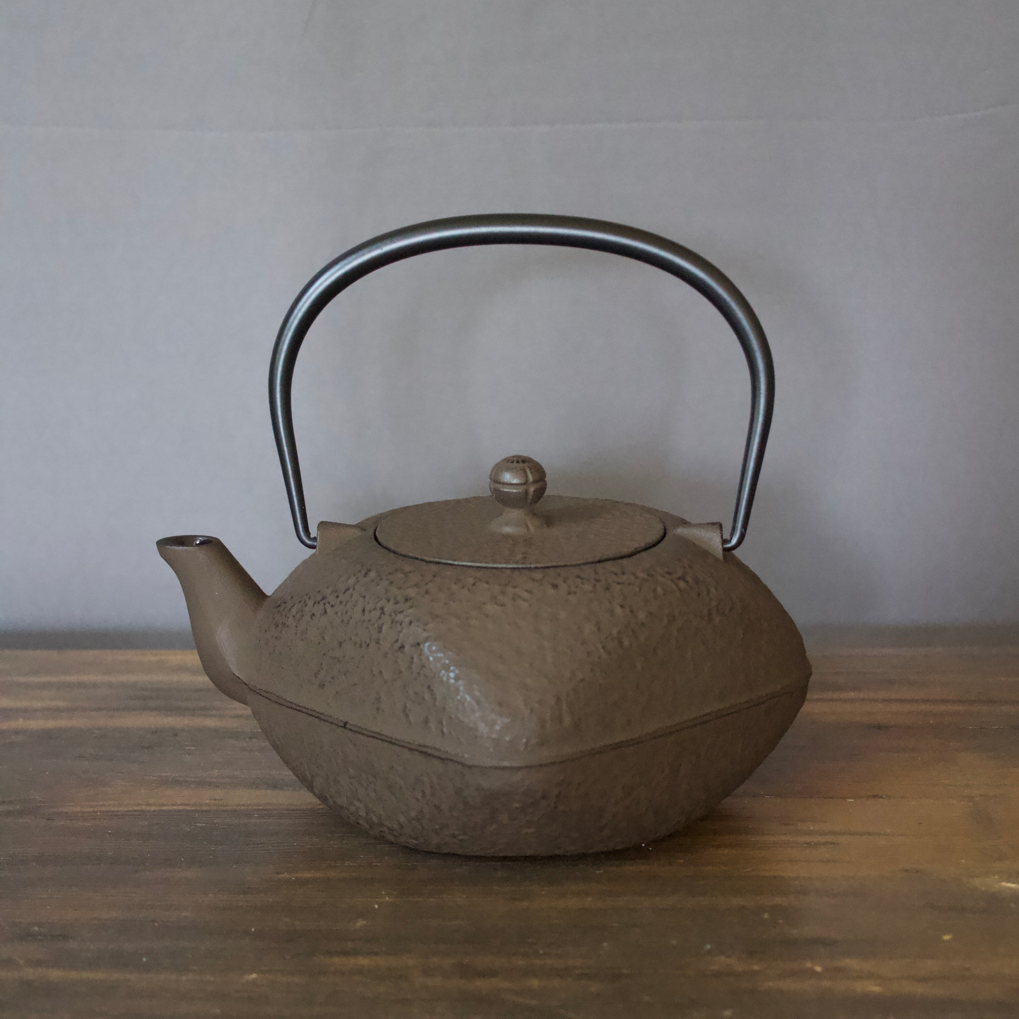 "Cast Iron Tea Pot ""Squre"" Brown #480-162"