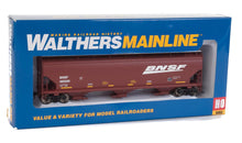 Load image into Gallery viewer, Walthers Mainline HO 60' NSC 5150 3-Bay Covered Hopper BNSF Railway 495295
