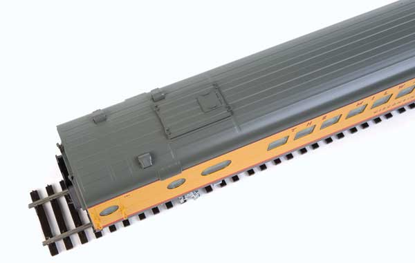 Walthers Proto 85' Milwaukee Road 30-Seat Parlor Car Valley Series