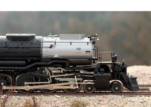 "Load image into Gallery viewer, Märklin HO Union Pacific (UP) ""Big Boy"" heavy steam freight locomotive #4014"