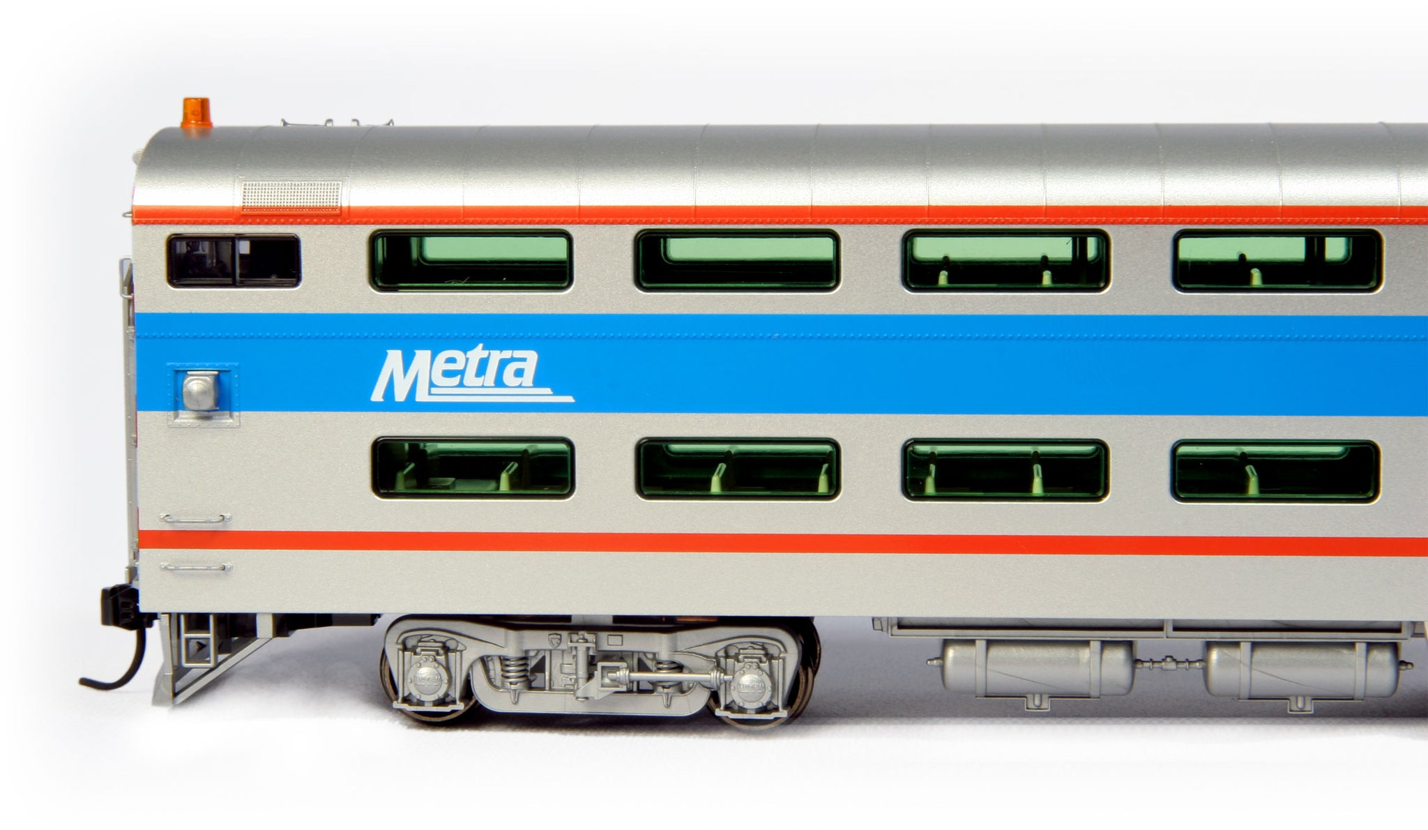 Kato HO Pullman Bi-Level 4-Window Cab-Coach Chicago Metra #8730