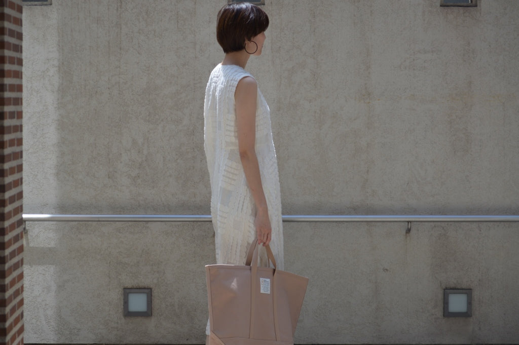トートバックラージ<br />Bed&Breakfast Tote Bag Large<br />COLOR:BEIGE  SIZE:FREE PRICE:¥16.000(+TAX)