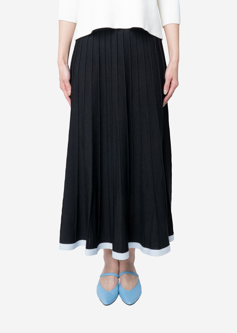 Limited Pleated Skirt in Black Mix