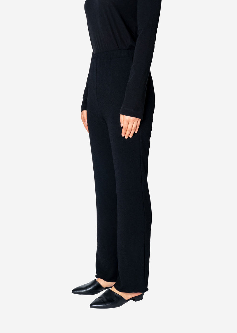 Dry Stretch Pants in Black