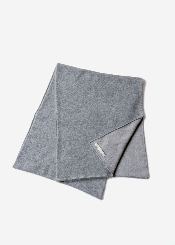 Pure Cashmere Muffler in Gray