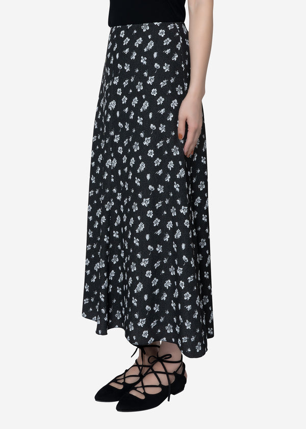 Summer Flower Jacquard Flare Skirt in Black