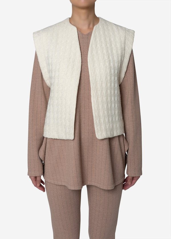 Basket Jacquard Vest in Off White