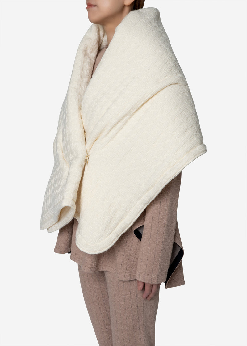 Basket Jacquard Shawl in Off White