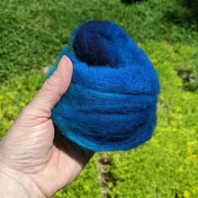 Load image into Gallery viewer, Roving for Felting