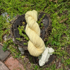 Summer Wine Tour Yarn in Blanco