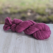 Load image into Gallery viewer, Rubus Purple Yarns