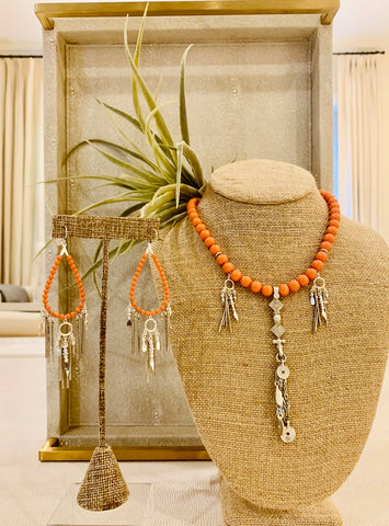 Salmon base metal adjustable necklace with semi prestones