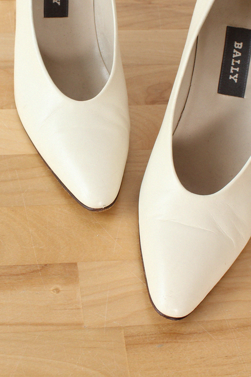 Bally Athena Ivory Pumps 6.5