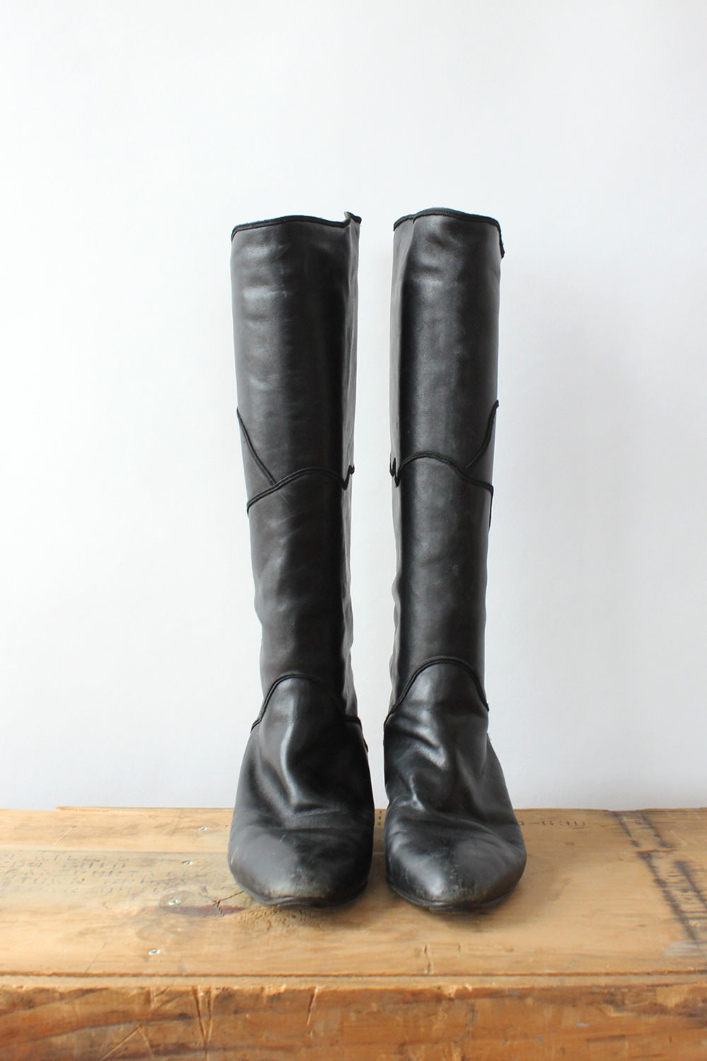 Italian Leather Scallop Boots 8-8.5
