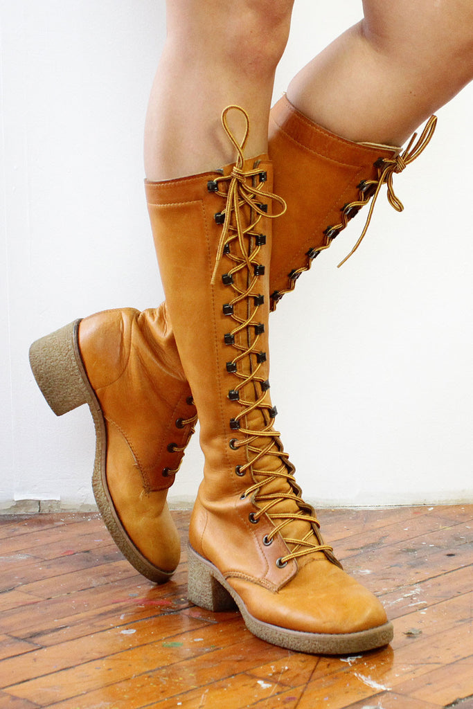 Honey Bee Lace Up Campus Boots 8