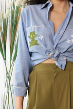 Cottage Chambray Frog Buttondown M