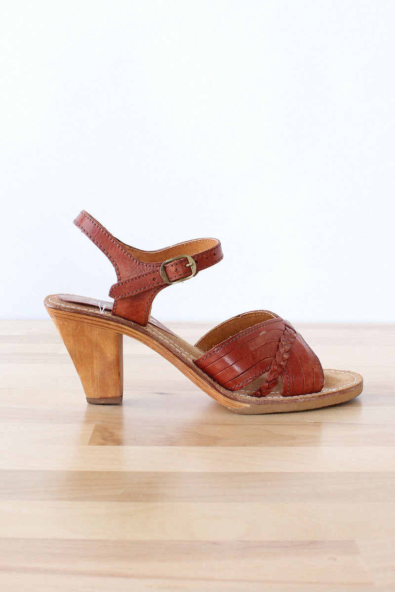 Latinas Leather Sandals 7 1/2