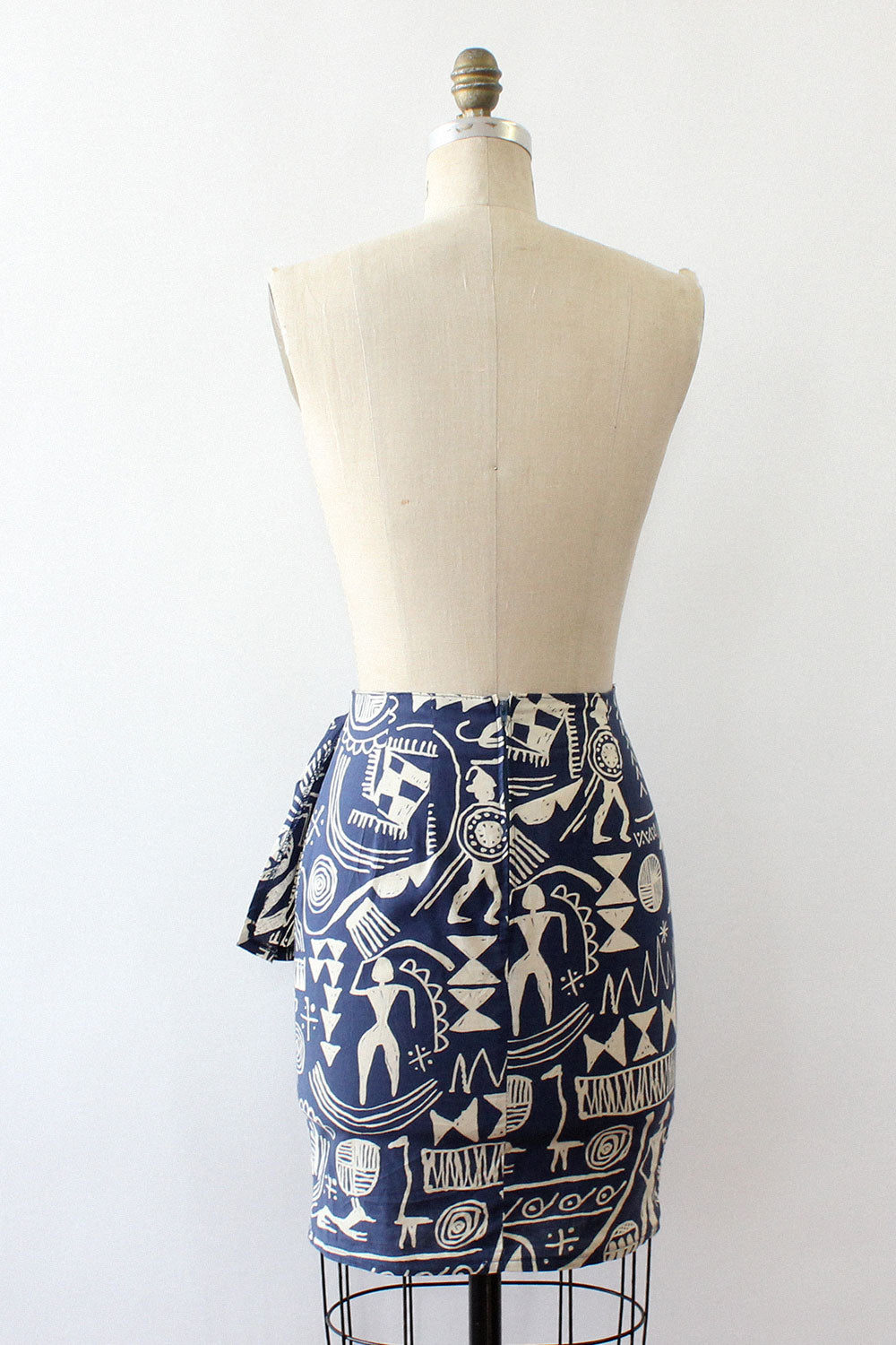 Symbolic Fitted Wrap Skirt S