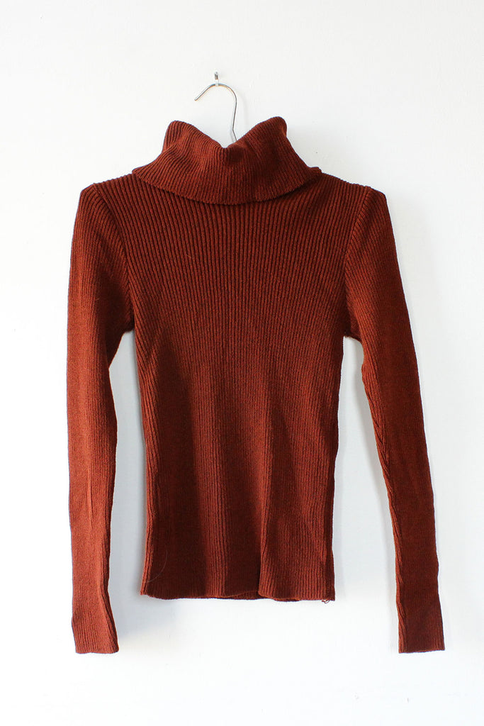 Marsala Ribbed Turtleneck S