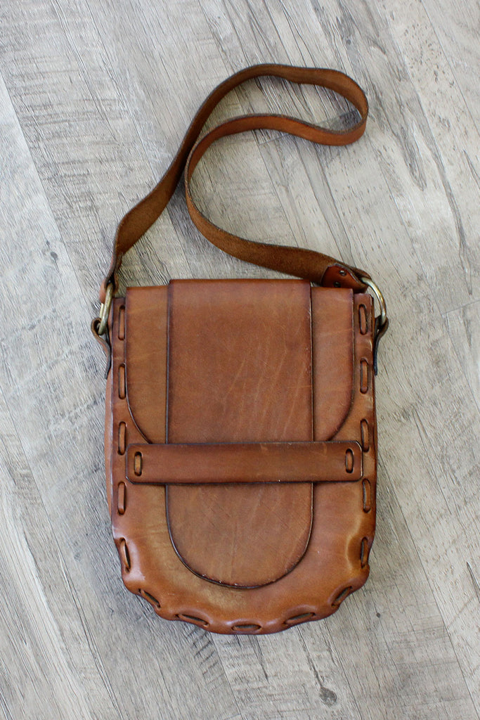 Tabby Stitch Saddle Bag