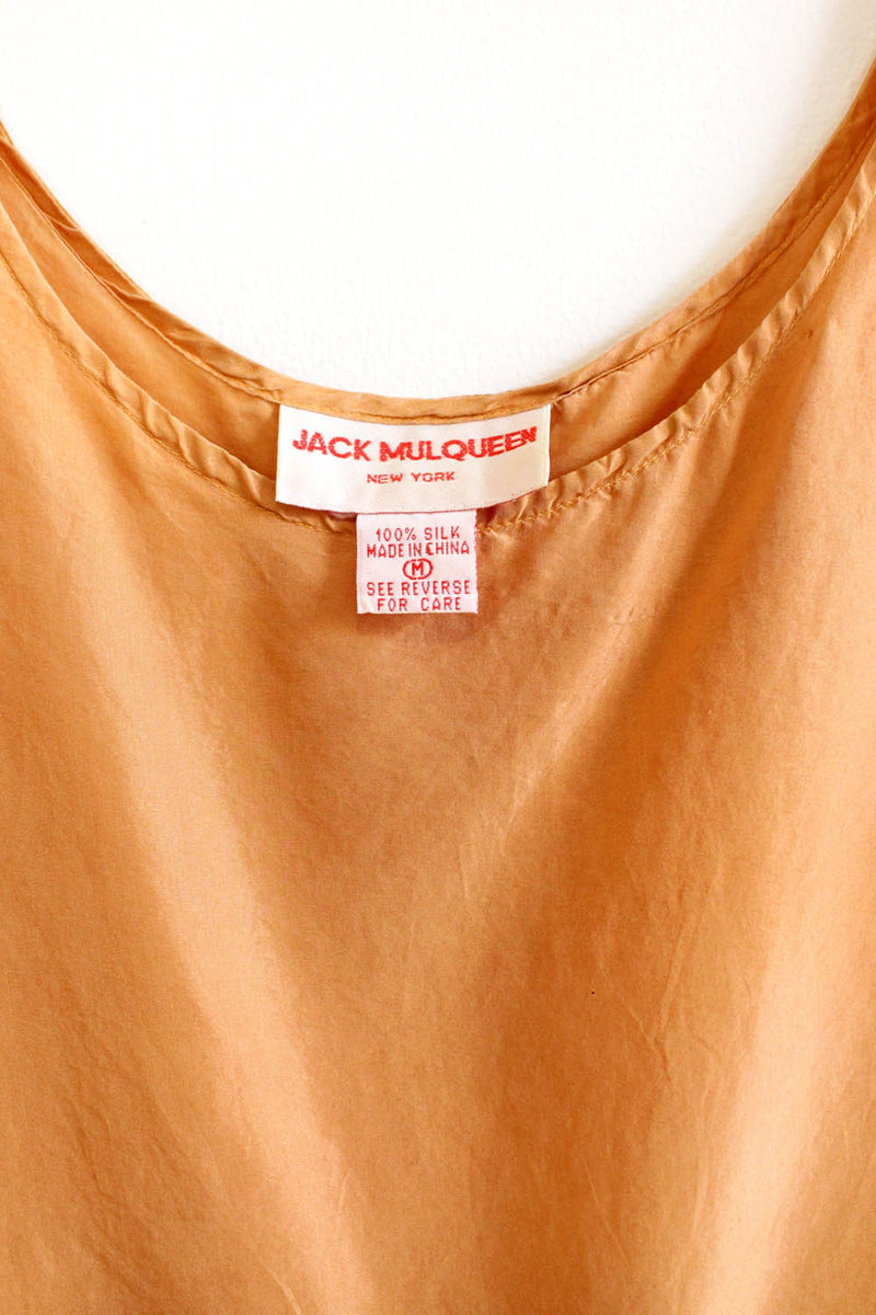 jack mulqueen clothing detail