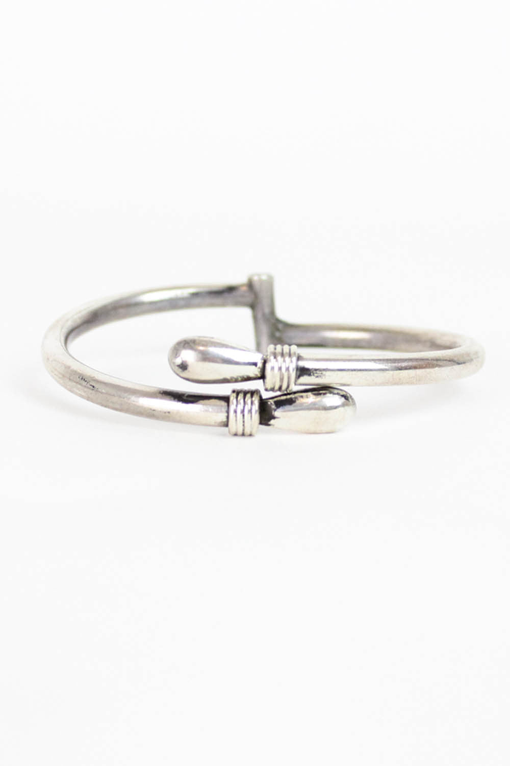925 Hooking Bangle