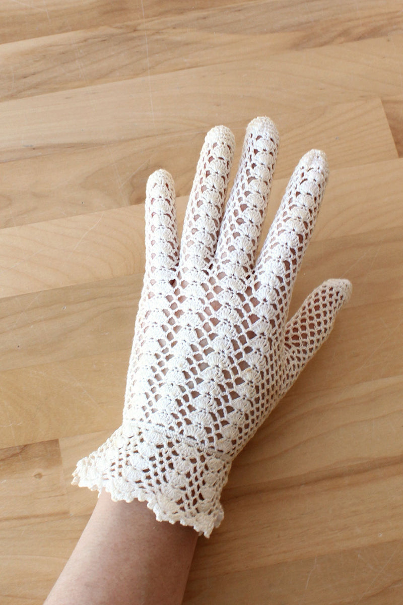 Ivory Crochet Wrist Gloves