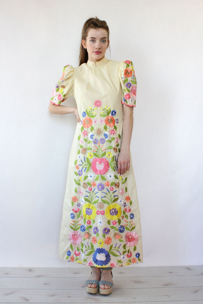 Puff Sleeve Embroidered Maxi S/M