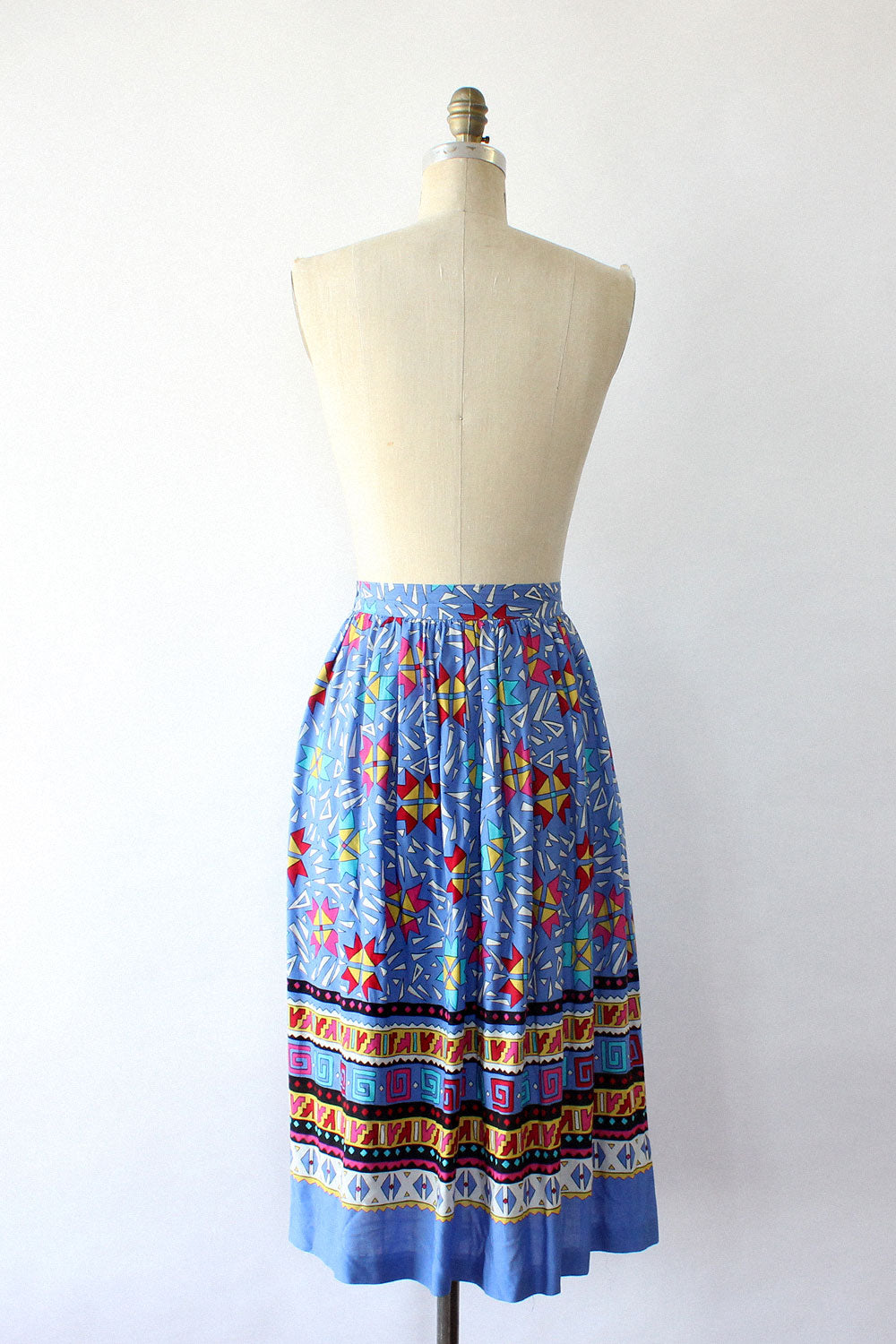 Chaus World Periwinkle Skirt S