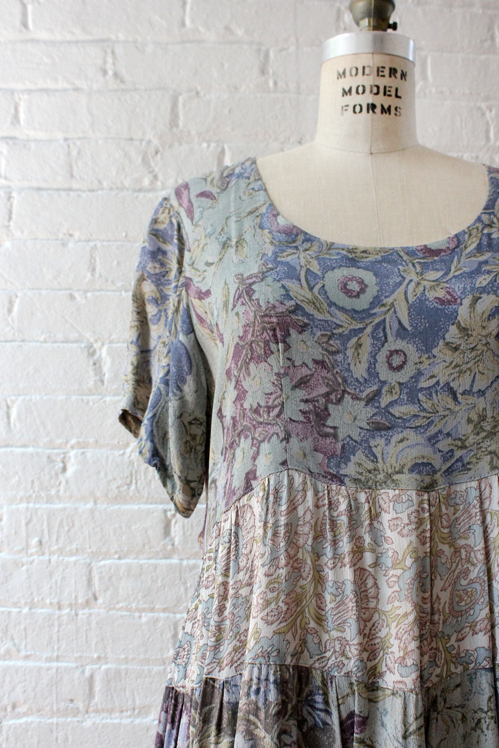 Shady Floral Rayon Dress M/L