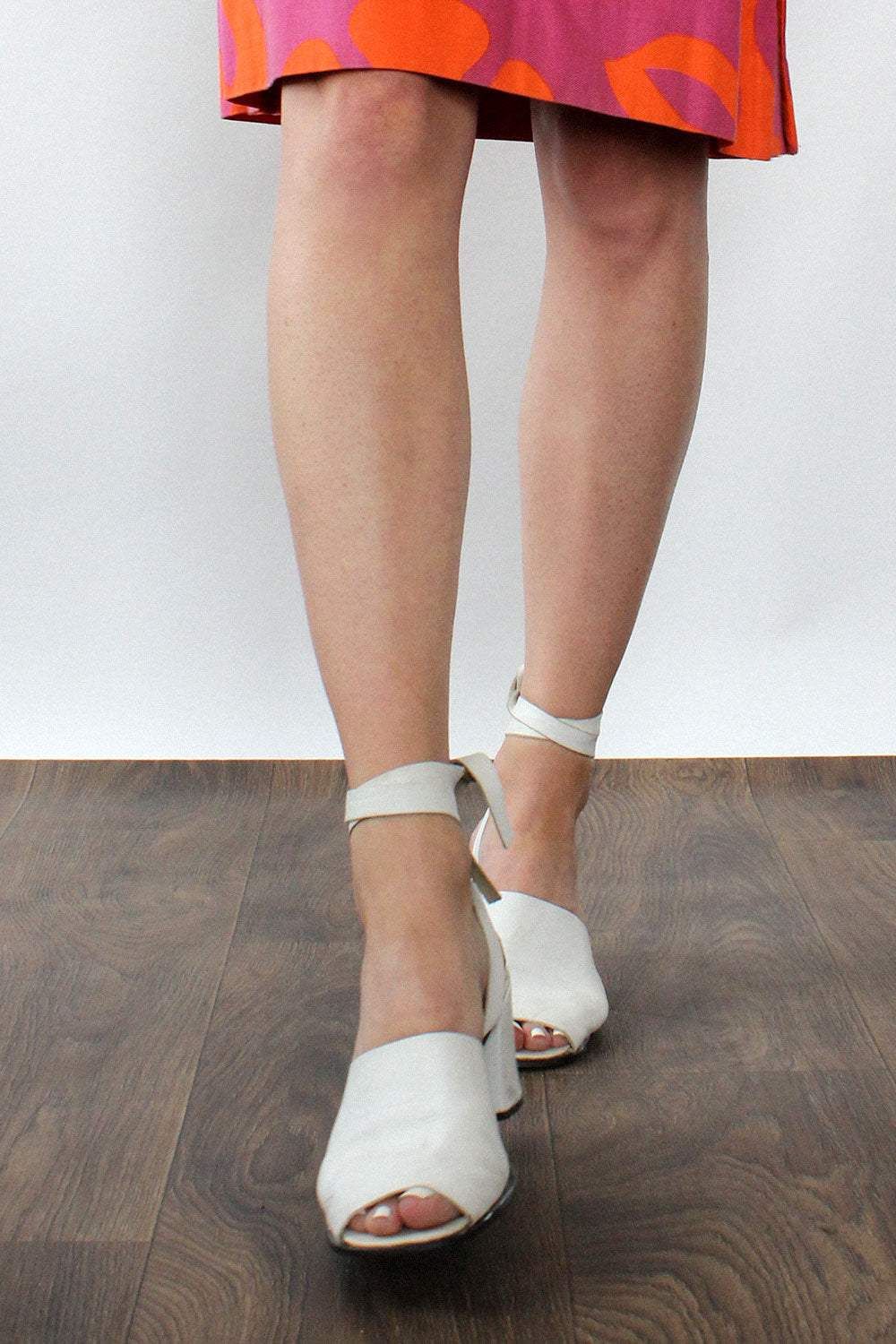Sbicca White Leather Mules 9 1/2 - 10