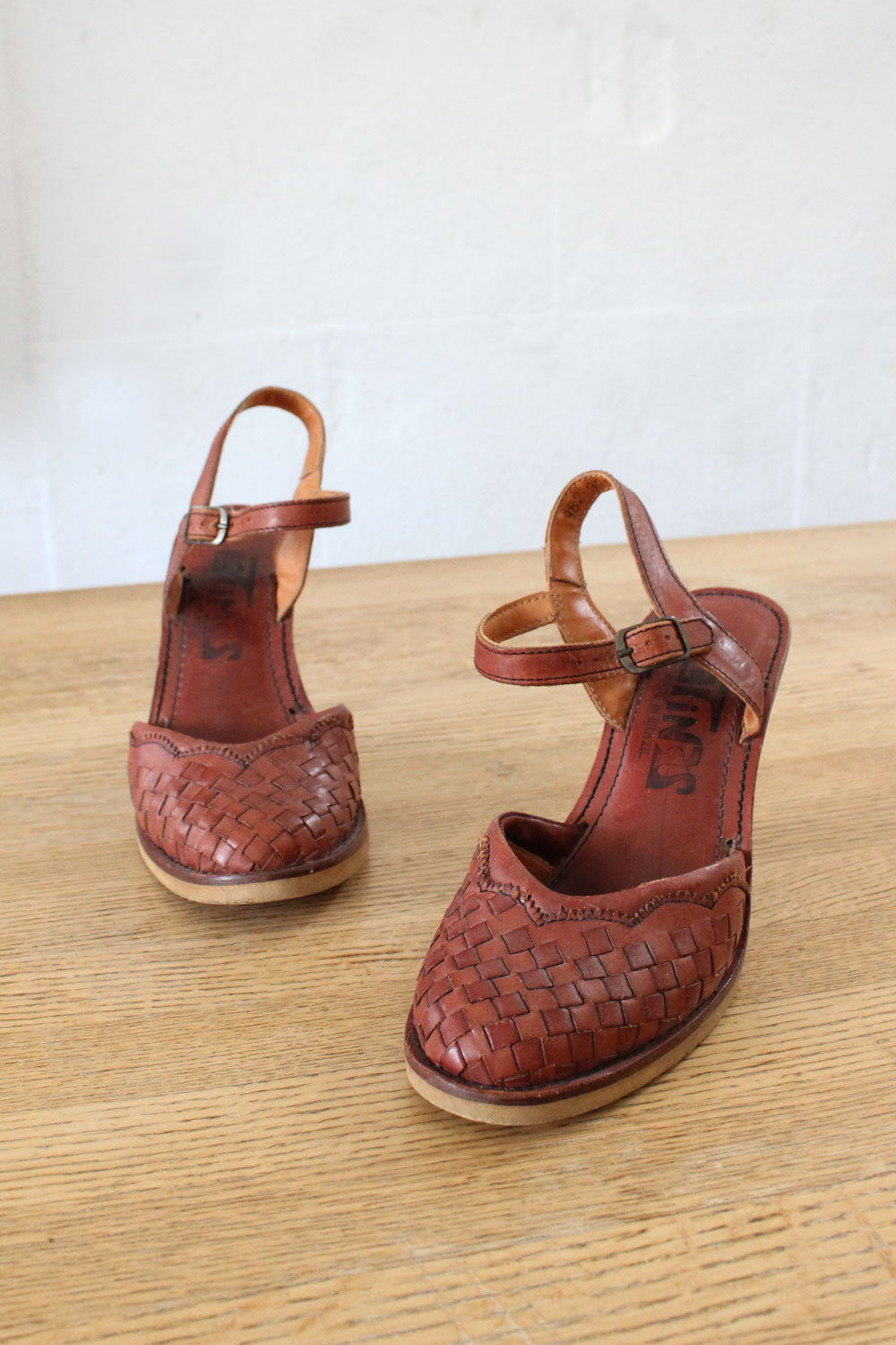 Latinas Redwood Leather Heels 7 1/2