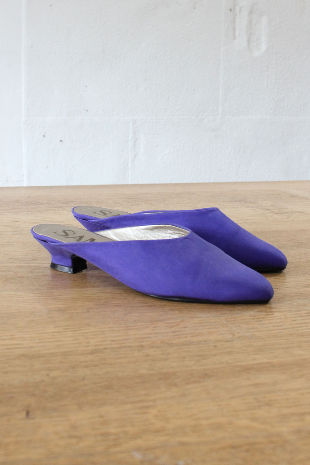Royal Kitten Heel Slides 6 1/2