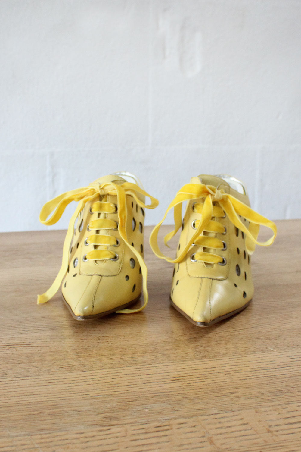 Pointy Yellow Wedges 5 1/2-6