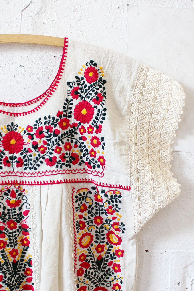 Rosie Embroidered Smock Top L