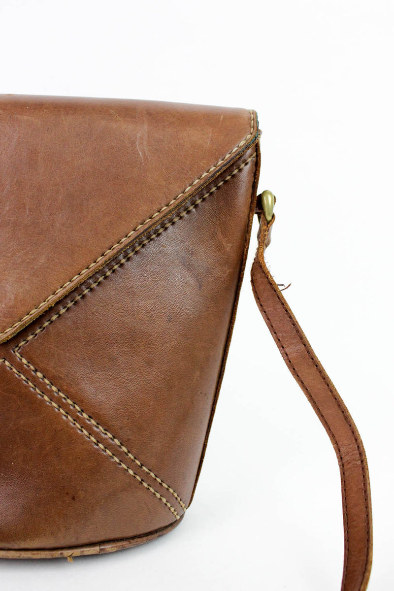 brown bucket purse detail