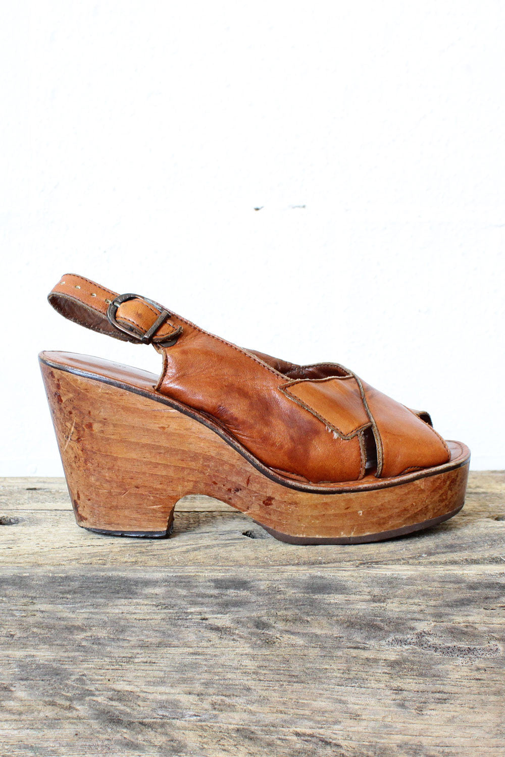 431fb71d97cf9 70s Wood Platforms 6 – OMNIA