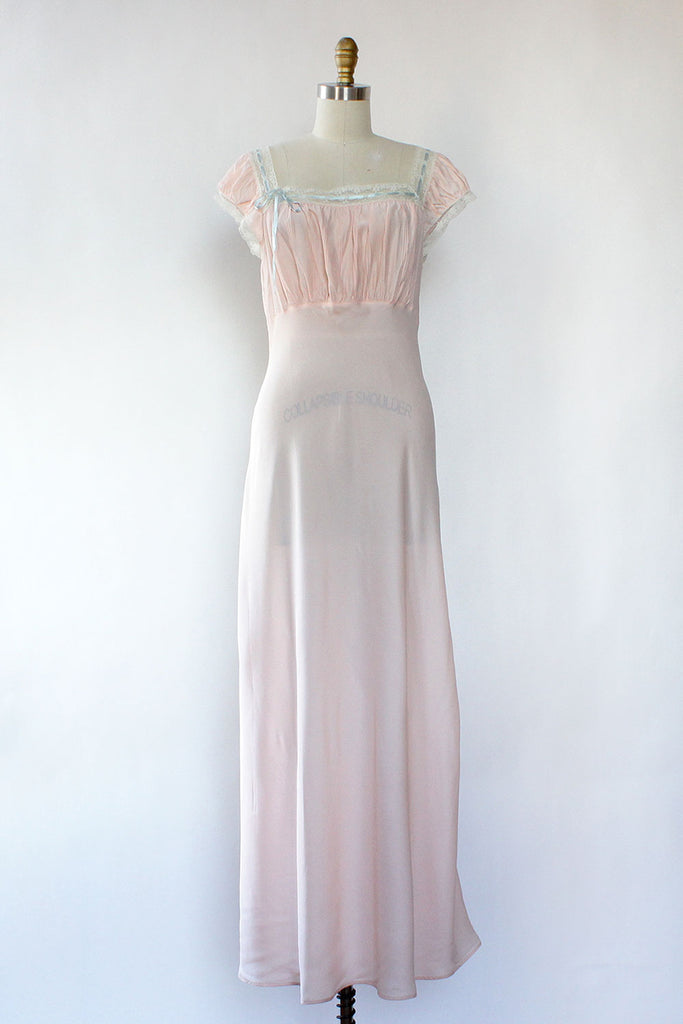 Barbizon Blush Nightgown M