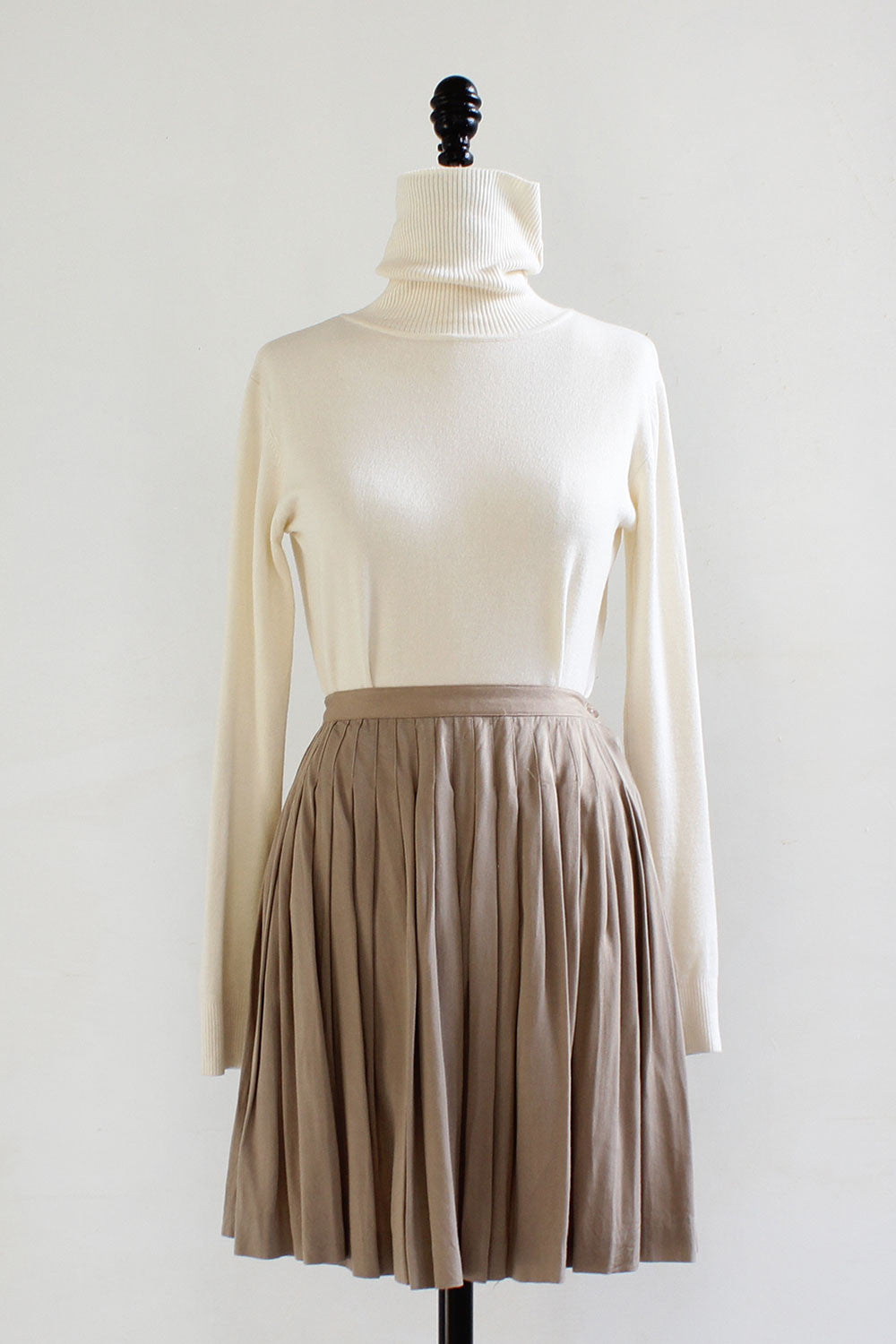Classic Khaki Pleated Skirt XS/S