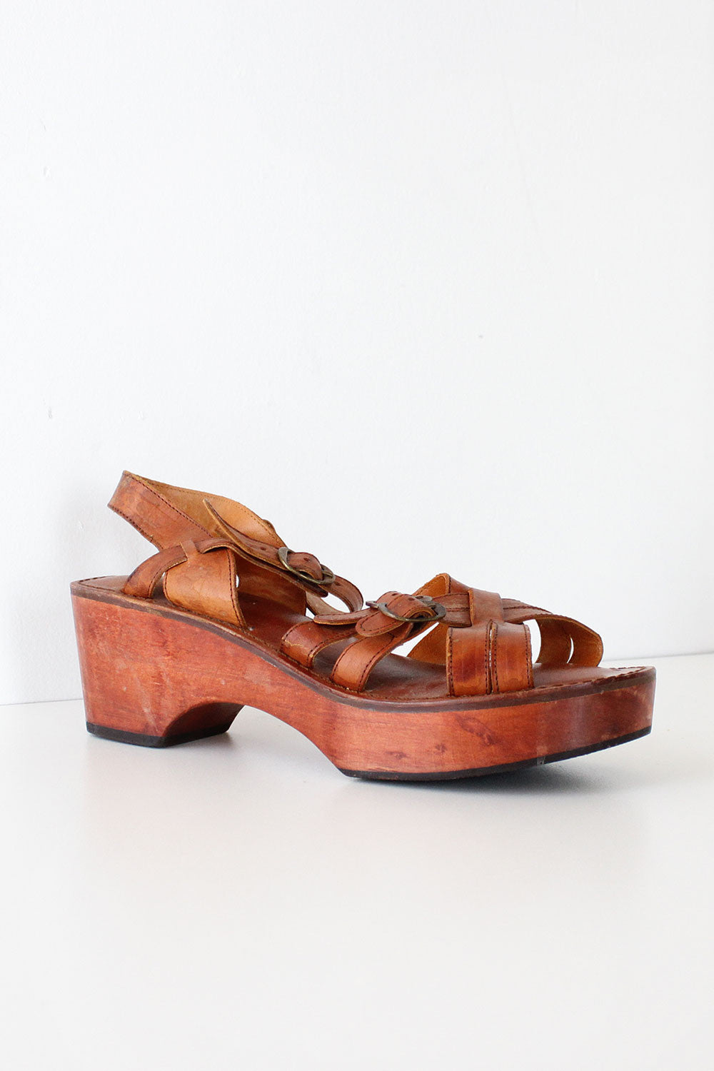 8da428174b7 Jeanie Wood Wedge Sandals 9 1 2 – OMNIA