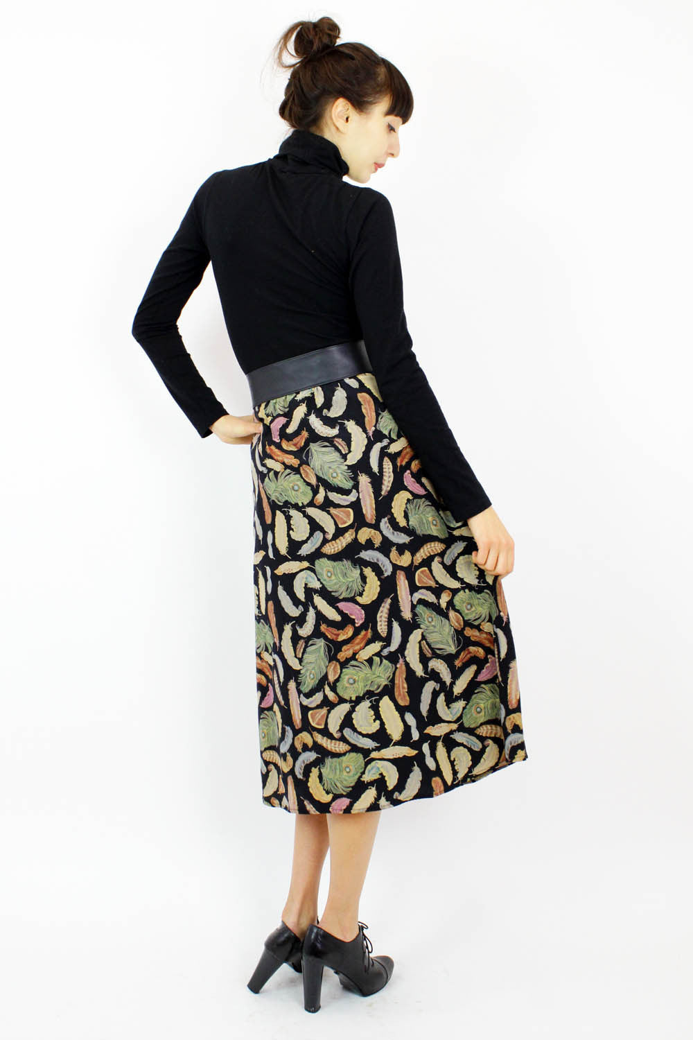 feathers on silk skirt L