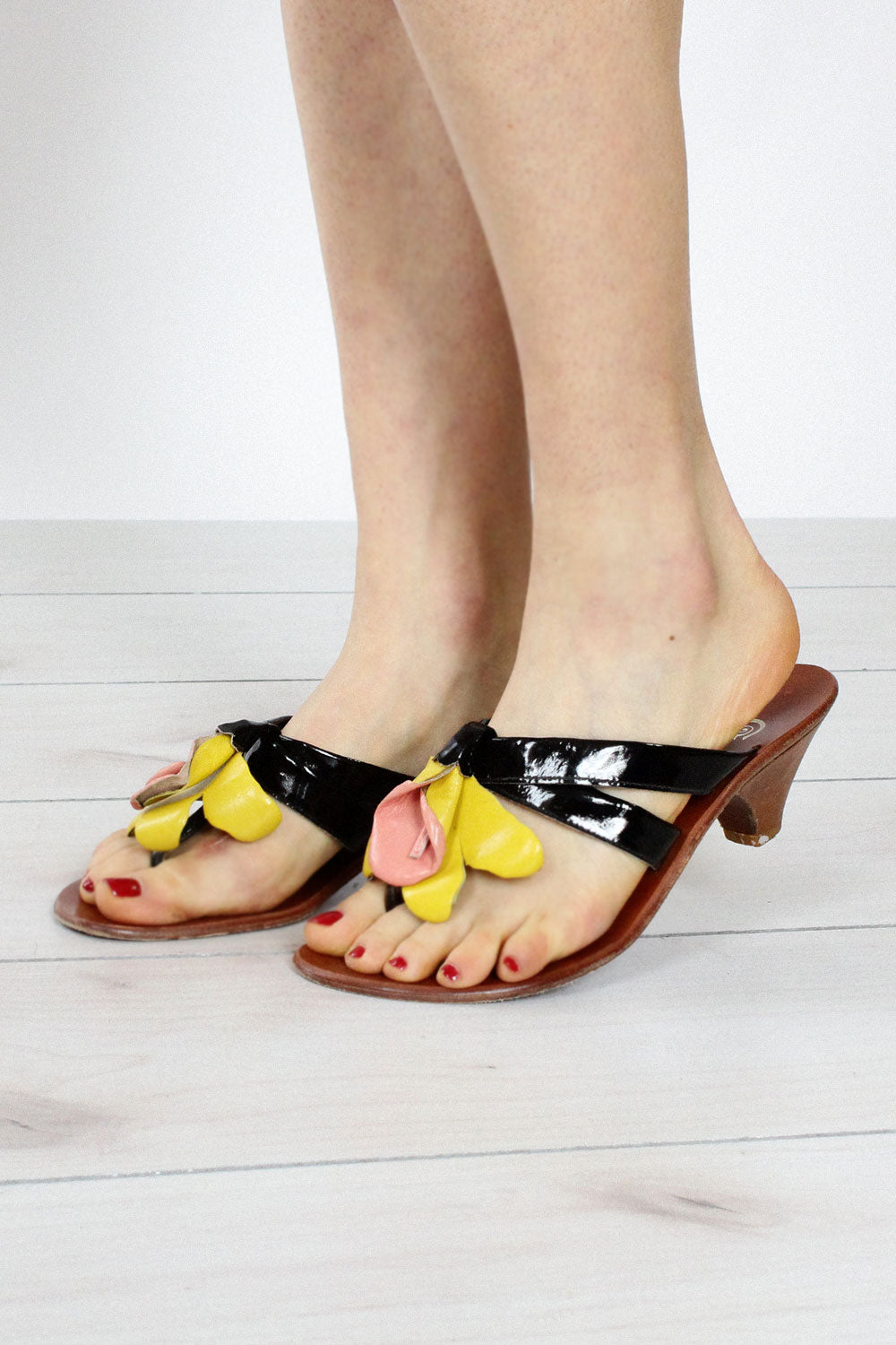 Golo Patent Flower Sandals 6 1/2