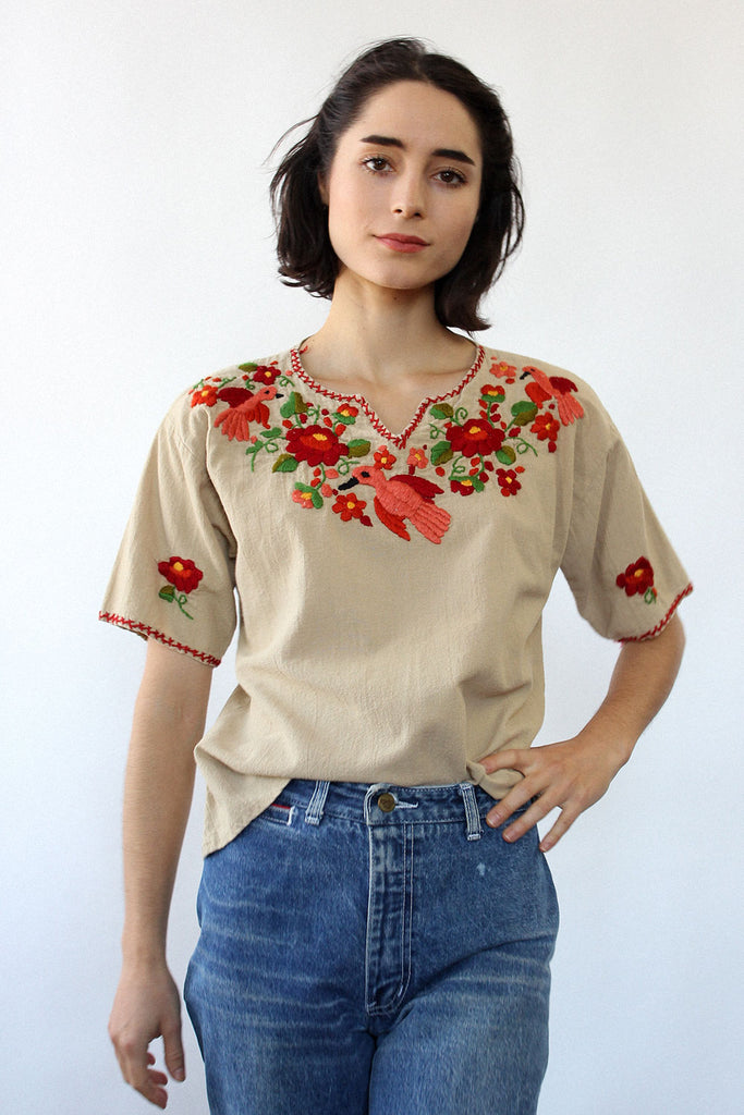 Embroidered Red Robin Top M