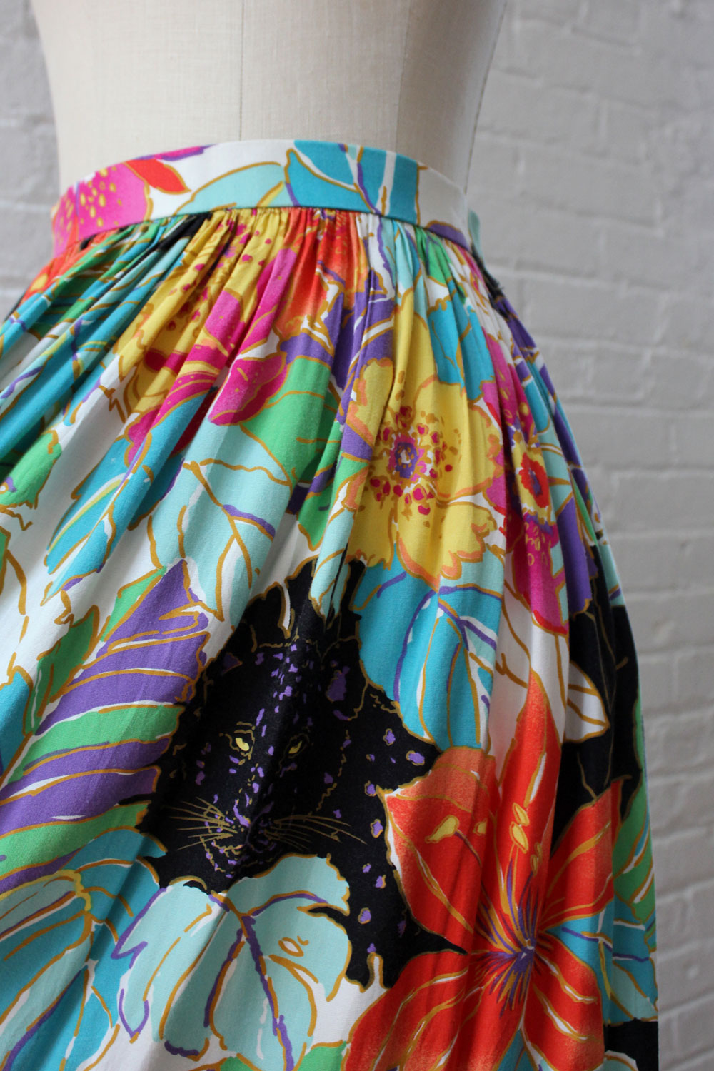 Lost In The Tropics Skirt S/M