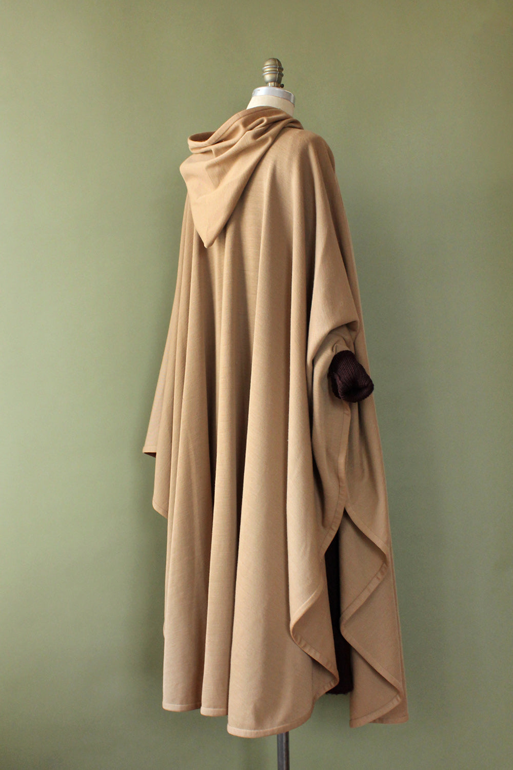 Hazelwood Hooded Cloak S-XL