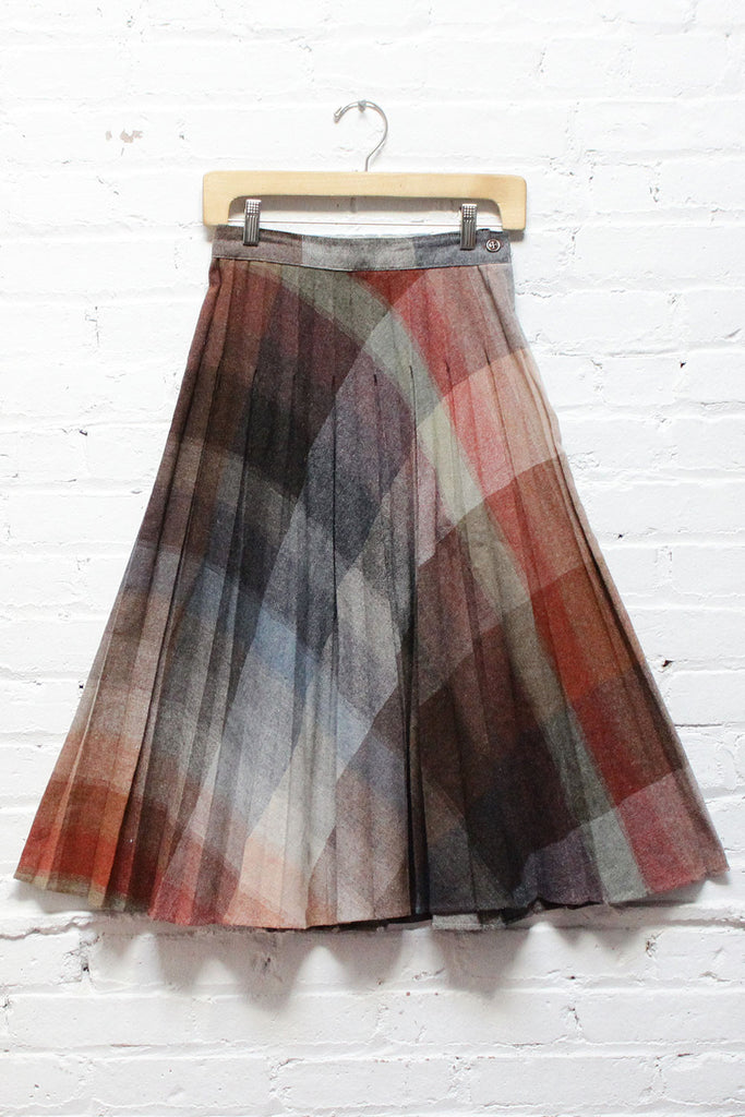 It Was All A Blur Plaid Pleat Skirt S