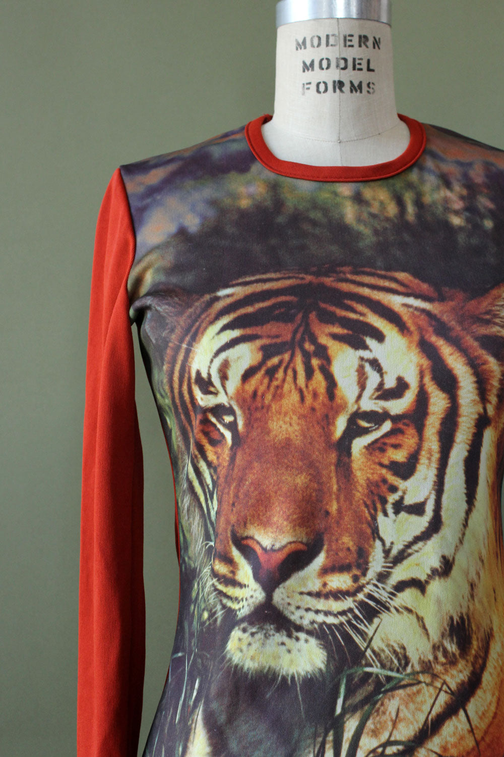 Novelty Tiger Long Sleeve Tee S/M